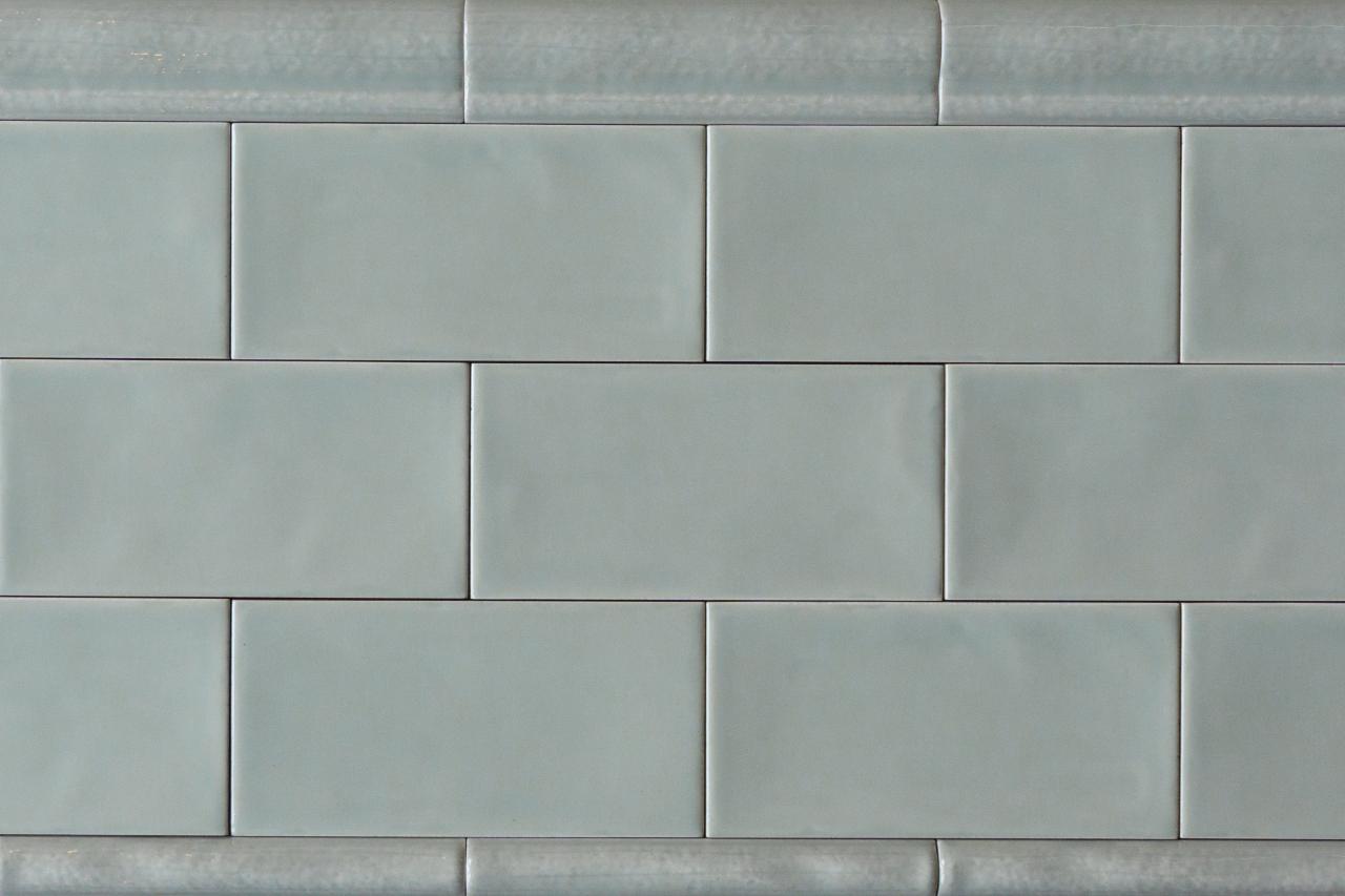Metro Fliese grau grün gewellt 7 5x15