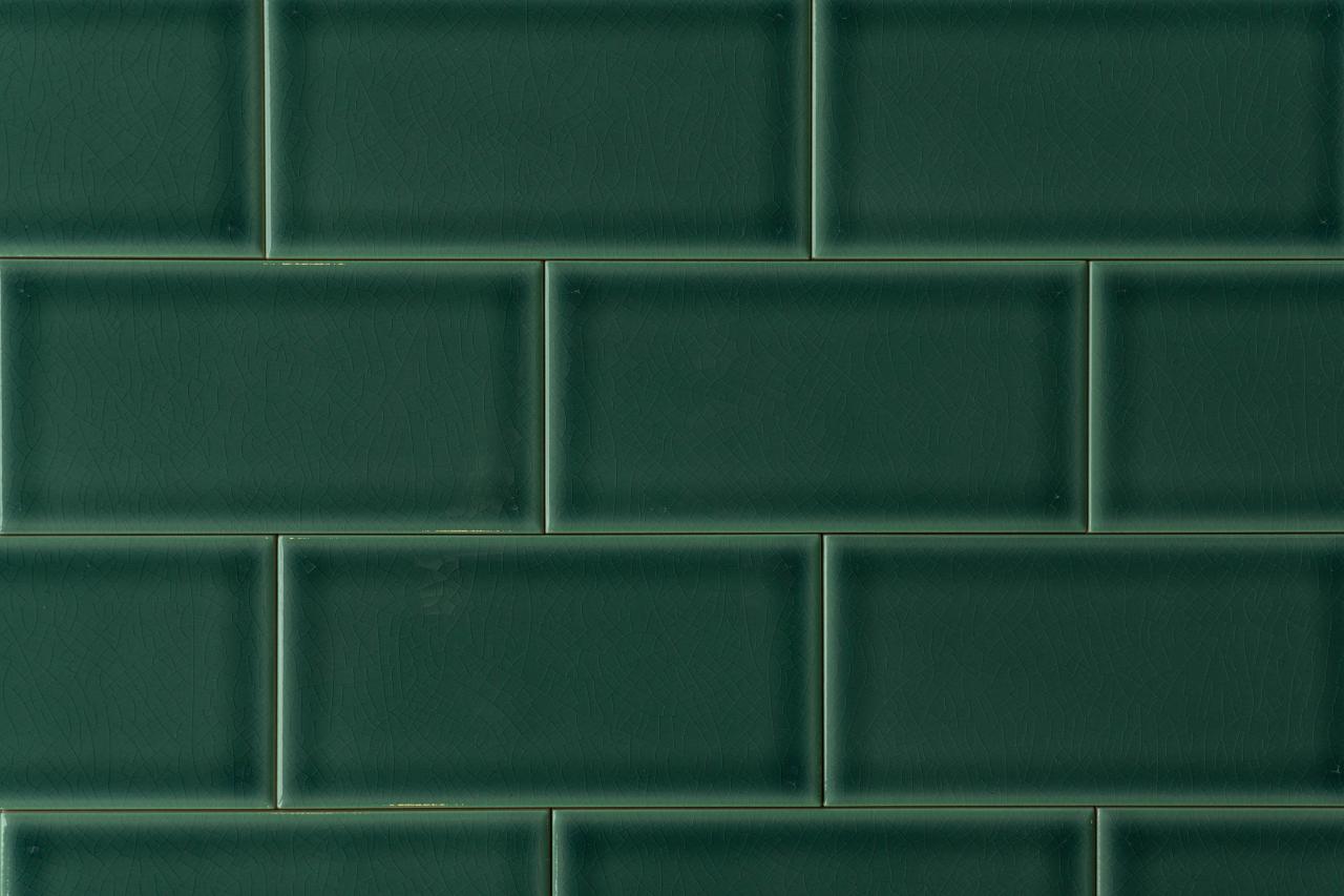 Metro Fliese dunkelgrün glatt Craquelé 7 5x15