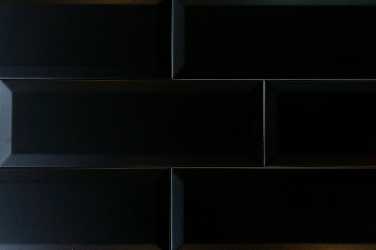 Metro Fliese schwarz matt 10x30 BX